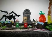 Halloween balloon centrepieces
