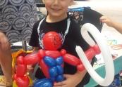 Spider man balloon twisting